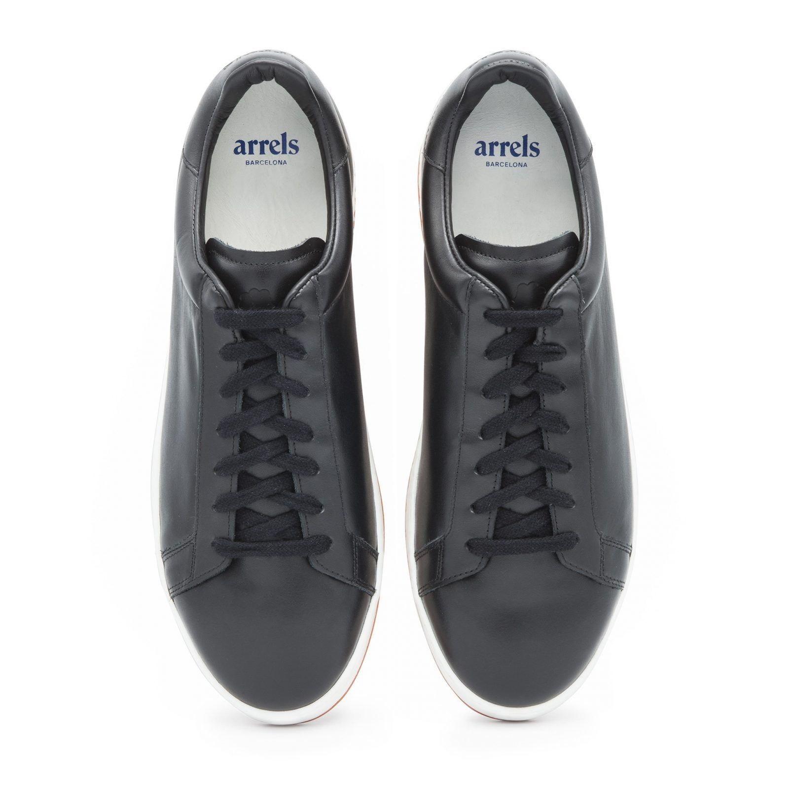 Leather Sneakers with Contrast Sole-609